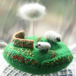 Tiny felt & cross-stitch pin cushion hill_size: w 7 x d 6 x h 5 cm_ Lambkin Hill